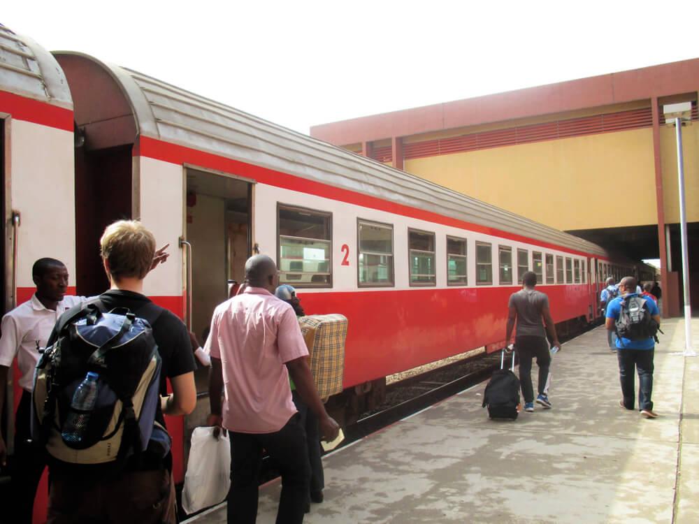 Le train, vu de l'extérieur