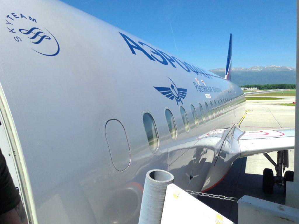 Avion Aeroflot à Genève - Juste Ici - Le blog de voyage de Claire et Vincent