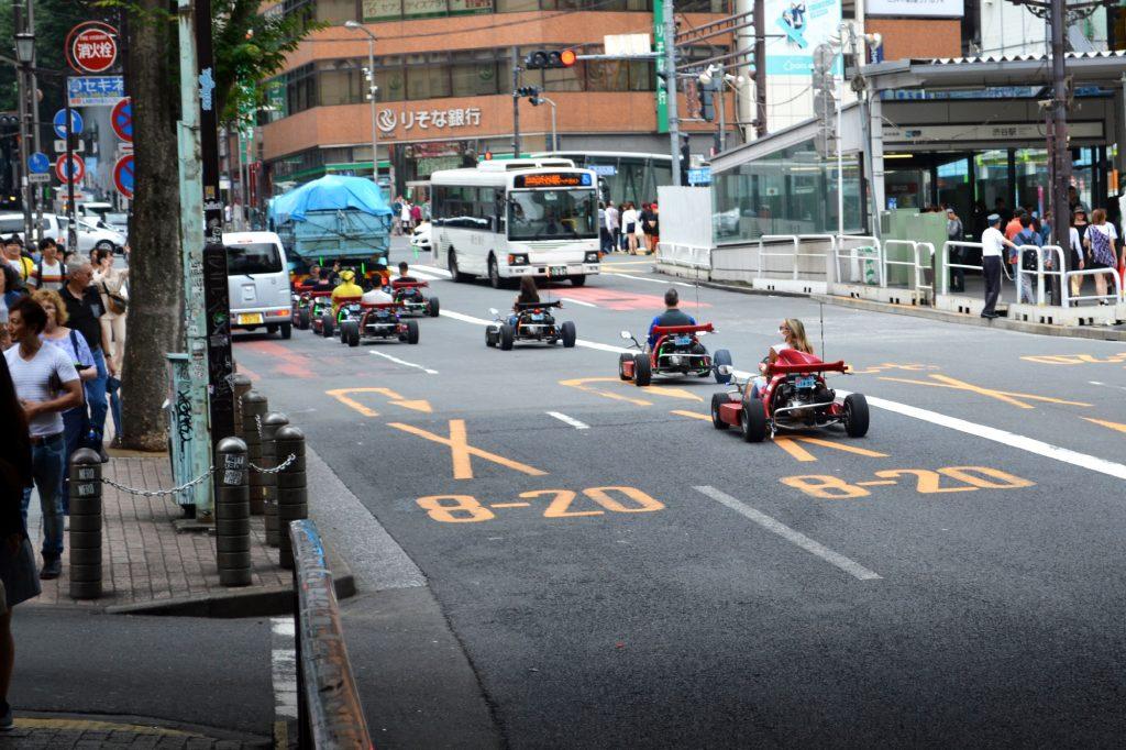 Des karts dans les rues de Tokyo