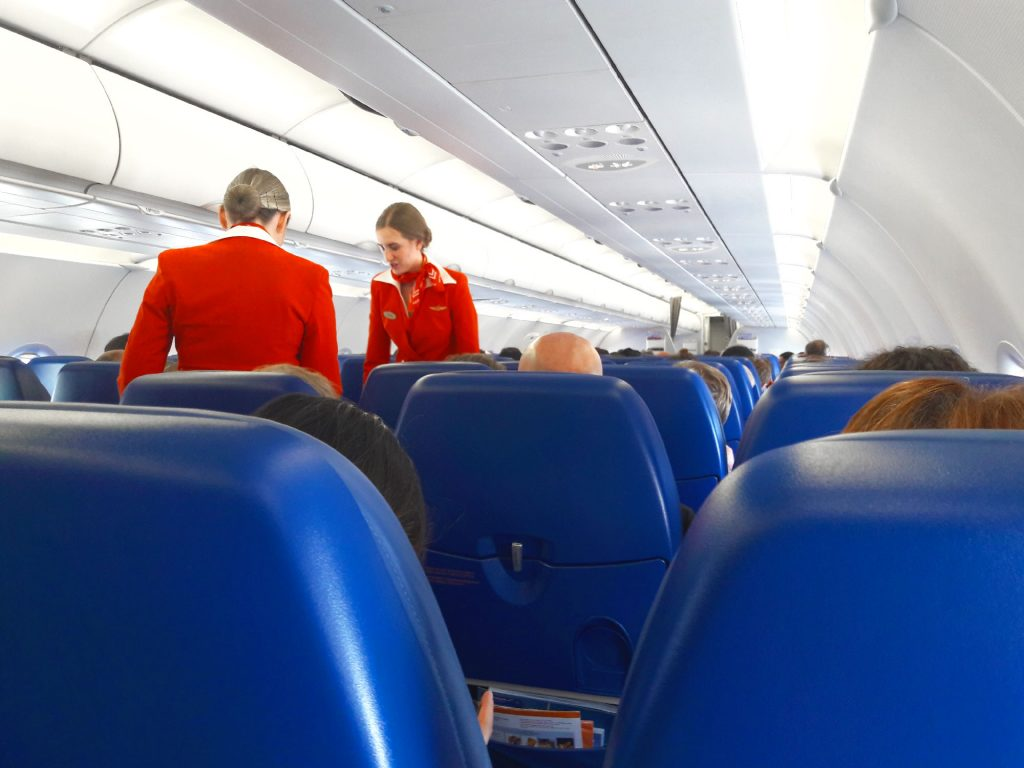 Notre premier avion de Genève à Moscou - Juste Ici - Le blog de voyage de Claire et Vincent