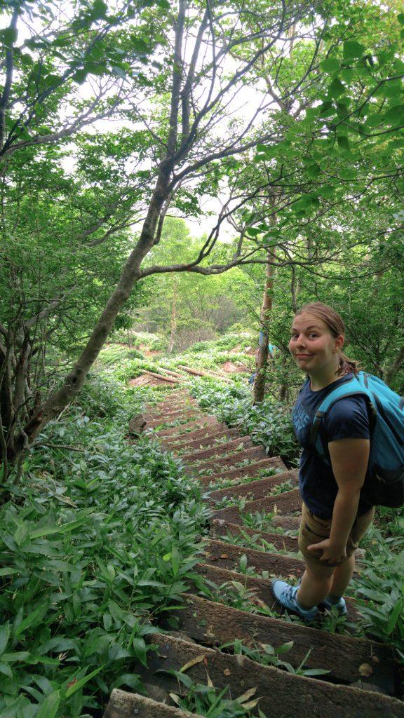 Claire redescend dans les forêts des monts Akagi