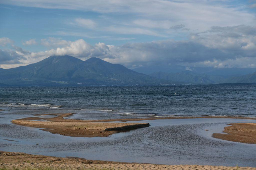 Le lac Inawashiro et le Bandai San