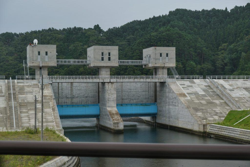 Infrastructure côtière de protection contre les tsunamis