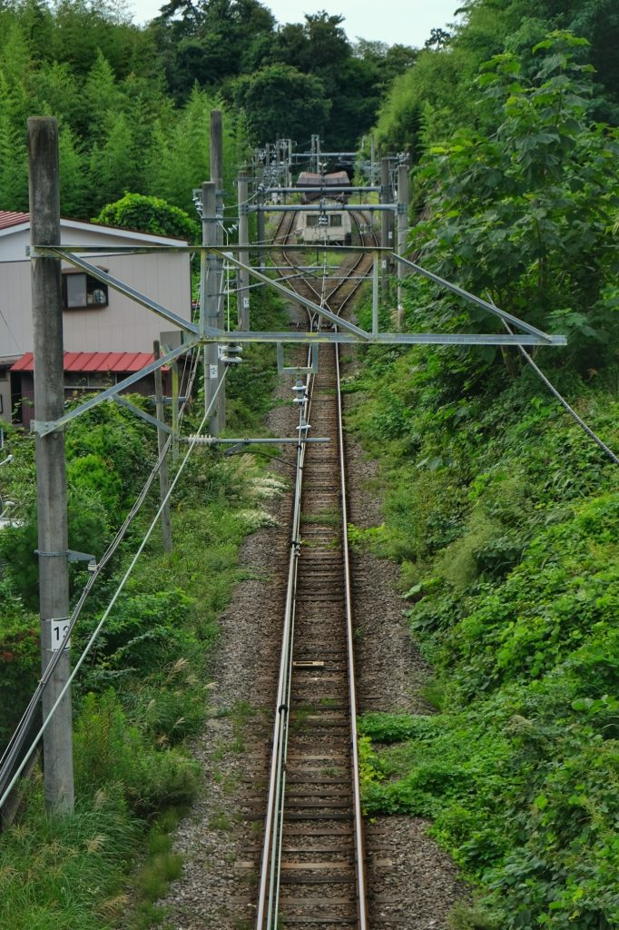 Le chemin de fer et une gare à Matsushima
