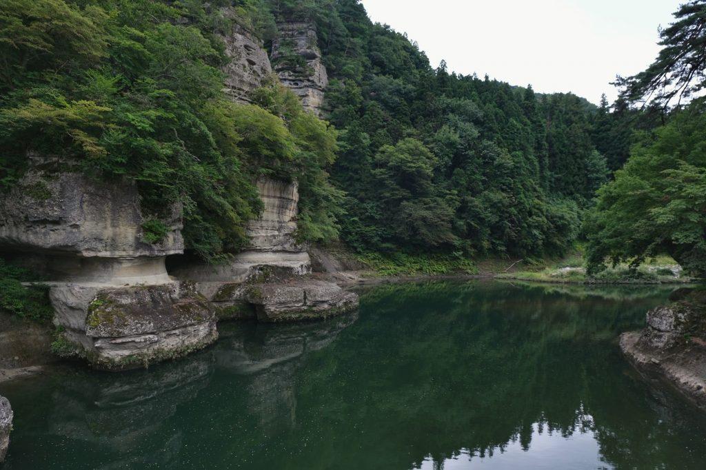Les gorges de To-no-Hetsuri et ses chemins dans la roche
