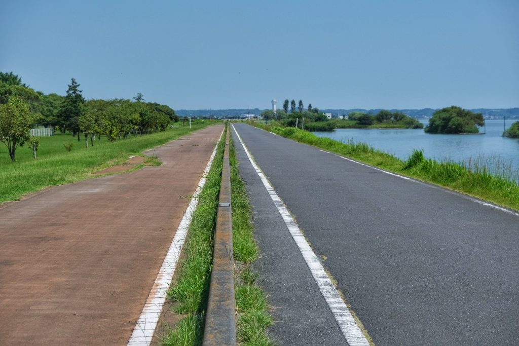 Piste cyclable et route du lac Kasumigaura