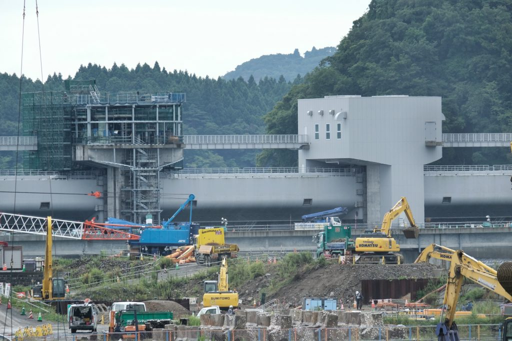 Infrastructure en construction sur les côtes