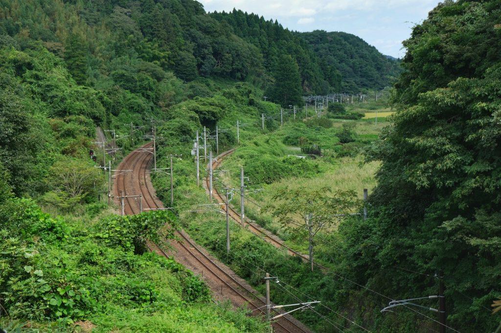 Des voies de chemin de fer vers Matsushima