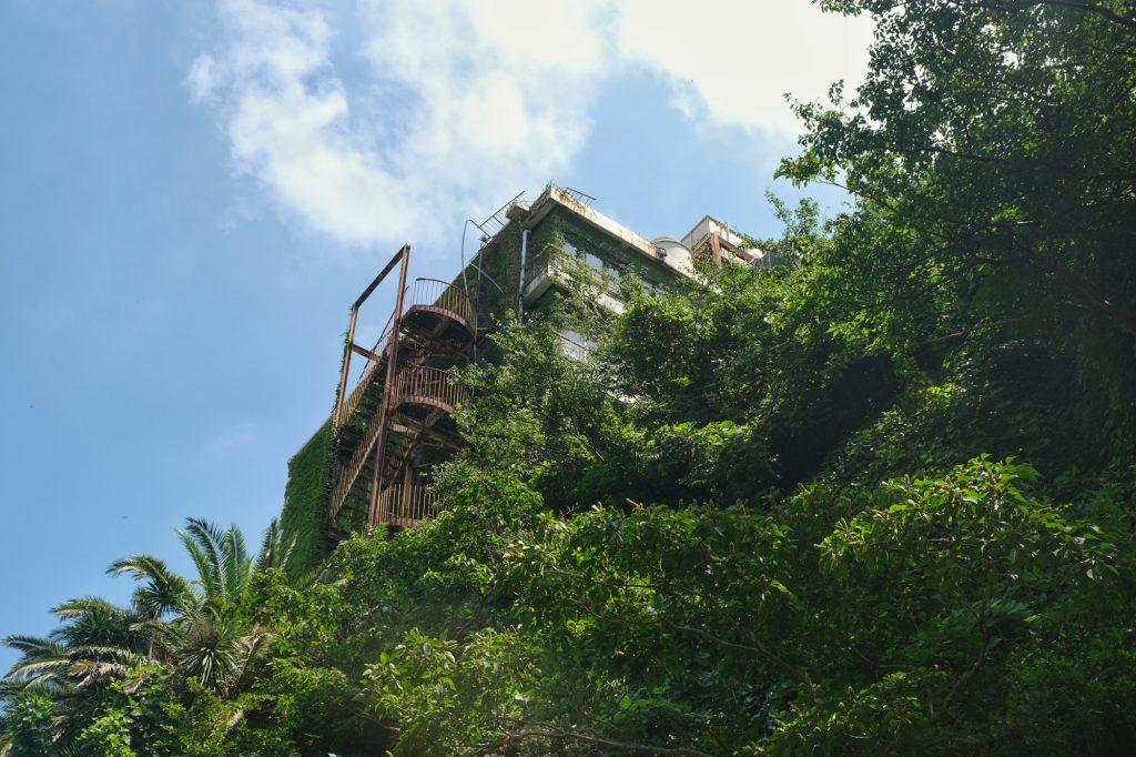 Un hôtel abandonné à Shimoda dans la péninsule d'Izu