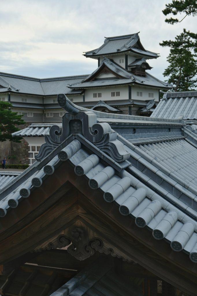 Les toits du château de Kanazawa