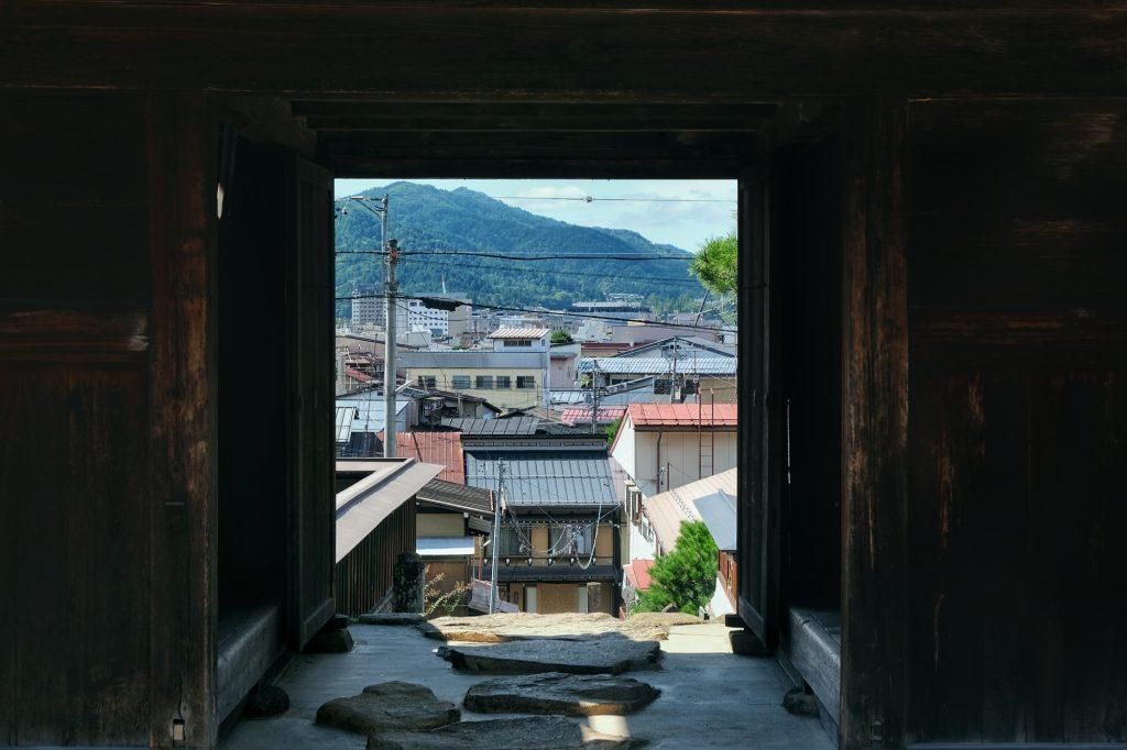 Porte d'un temple de Takayama