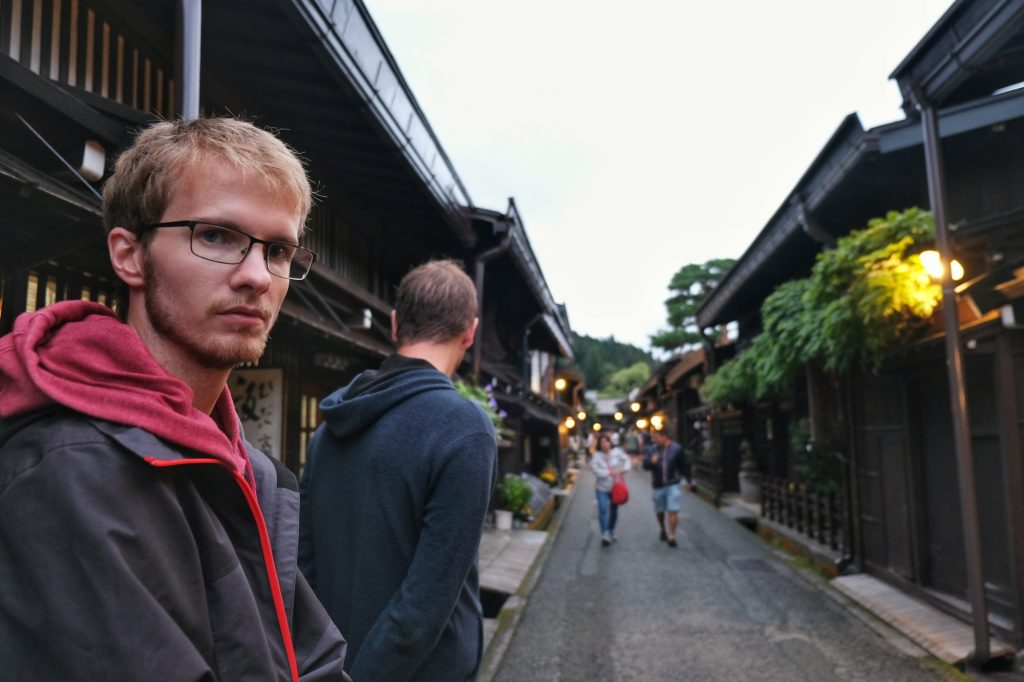 Vincent dans les rues traditionnelles de Takayama
