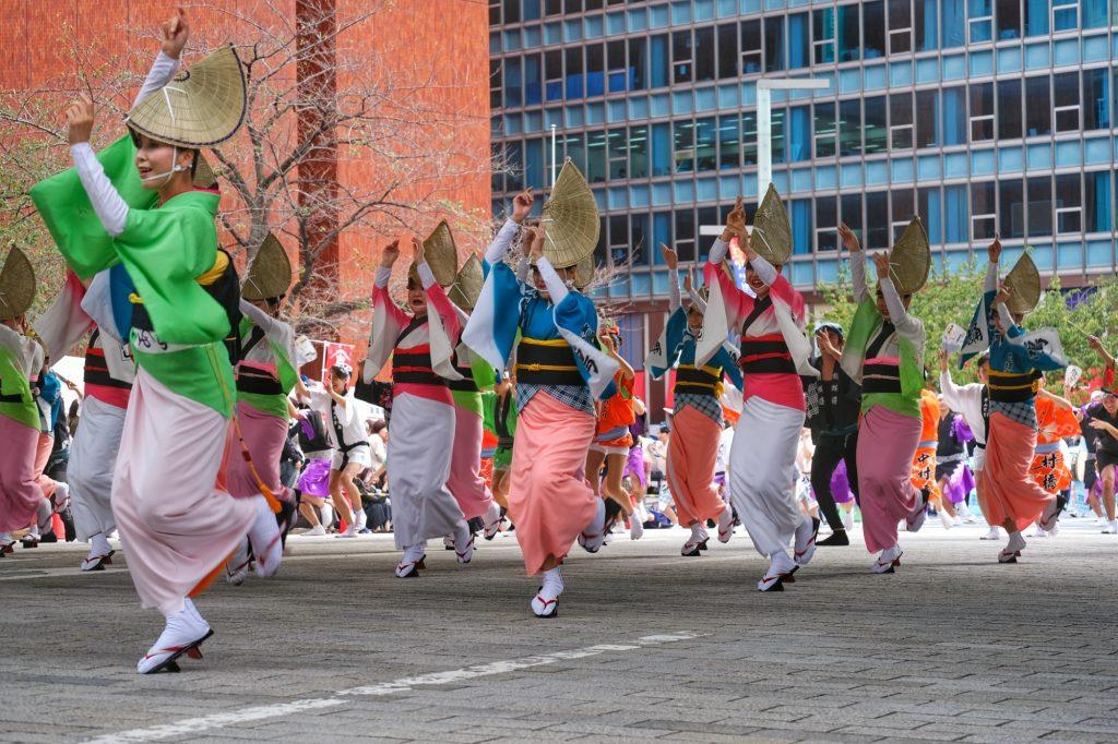 Des danseuses lors d'un matsuri (festival) à Tokyo
