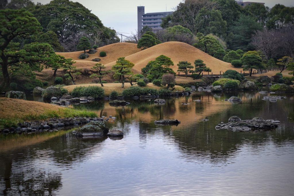 Le parc Suizenji représente en miniature les 53 stations entre Edo et Kyoto durant la période d'Edo