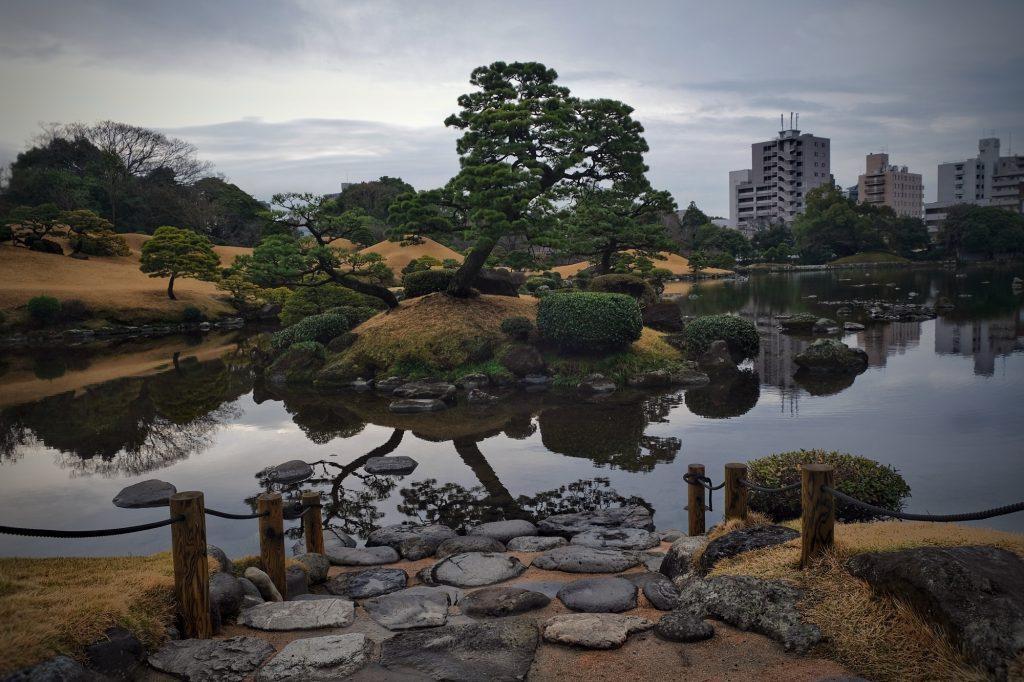 L'étang du parc Suizenji de Kumamoto