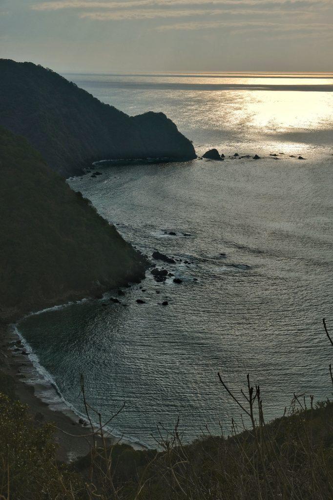Littoral de Shikoku, océan Pacifique, en fin de journée