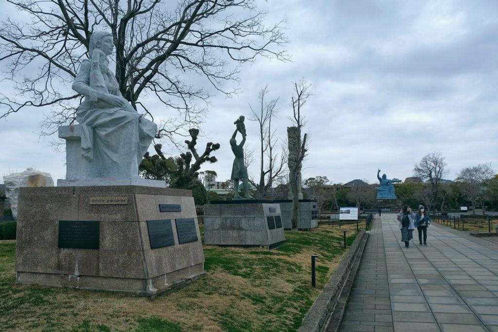 Les statues offertes par des pays du monde entier à Nagasaki en symbole de paix