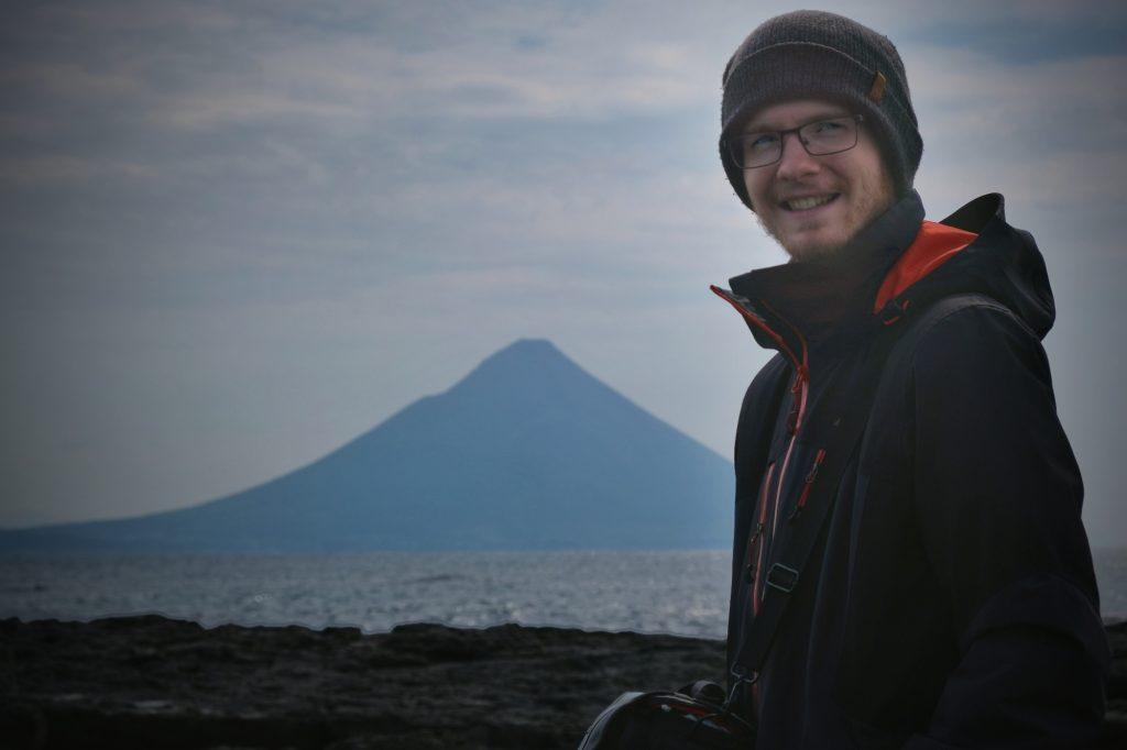 Vincent devant le mont Kaimon