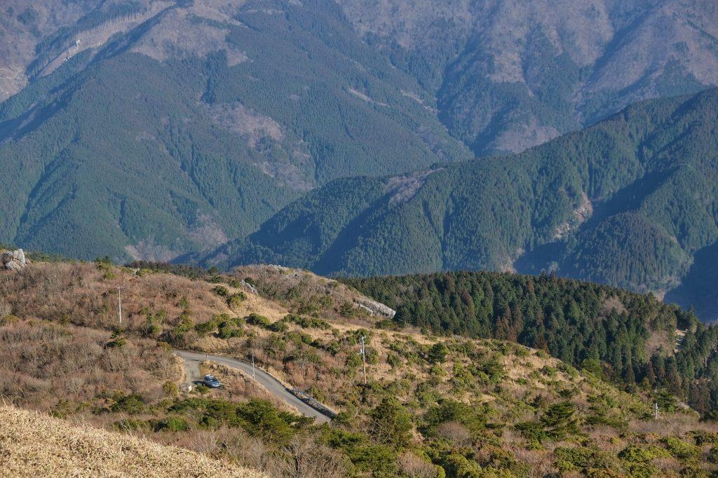 Notre voiture dans le camping de Kajigamori (en bas à gauche)