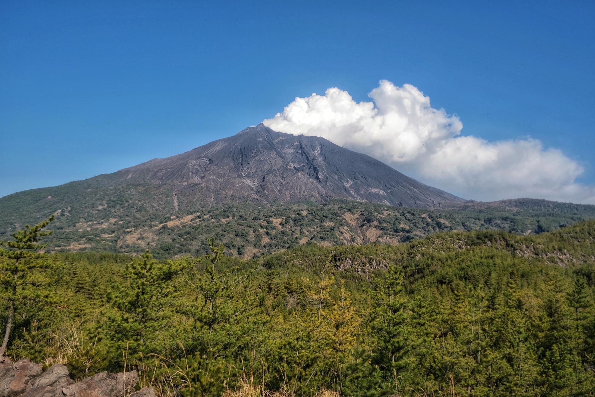 Le volcan Sakurajima, très actif ce jour là (selon notre point de vue de touriste)