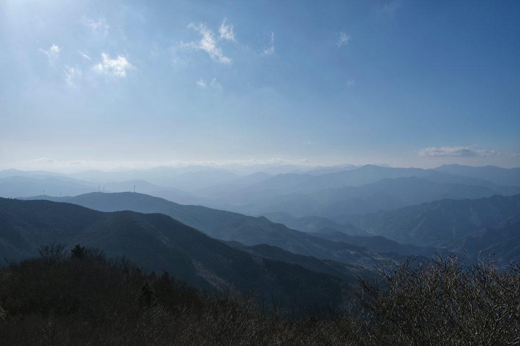 Vue des montagnes depuis la montagne Kajigamori